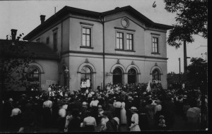 Ankunft Verwundeter am Bahnhof Ratingen Ost