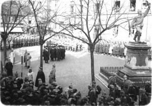 Begrüßung der Ratinger Garnison auf dem Marktplatz